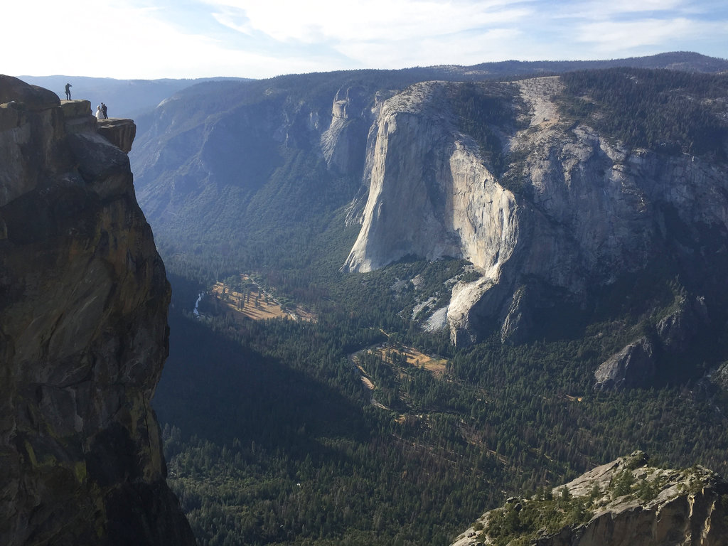 Taft Point is a popular tourist spot that offers spectacular views of the Yosemite Valley, Yosemite Falls and El Capitan.