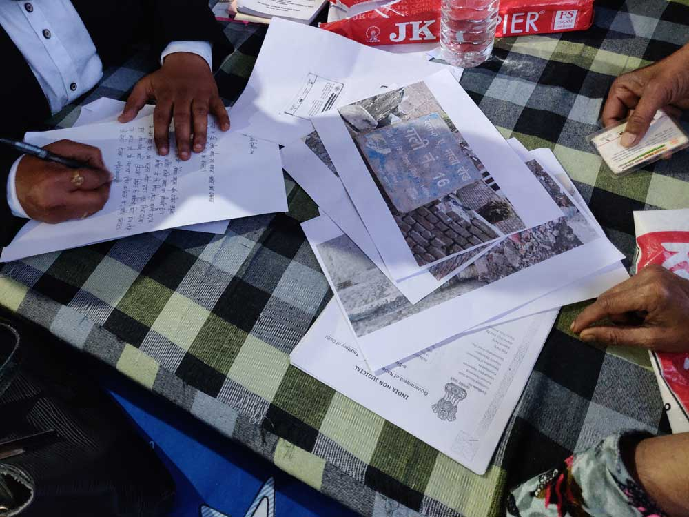 The legal teams at the Chand Bagh and Idgah camps alleged that the police had been refusing to register FIRs
