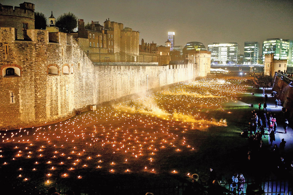 The Tower of London lit up on Tuesday to remember lost soldiers