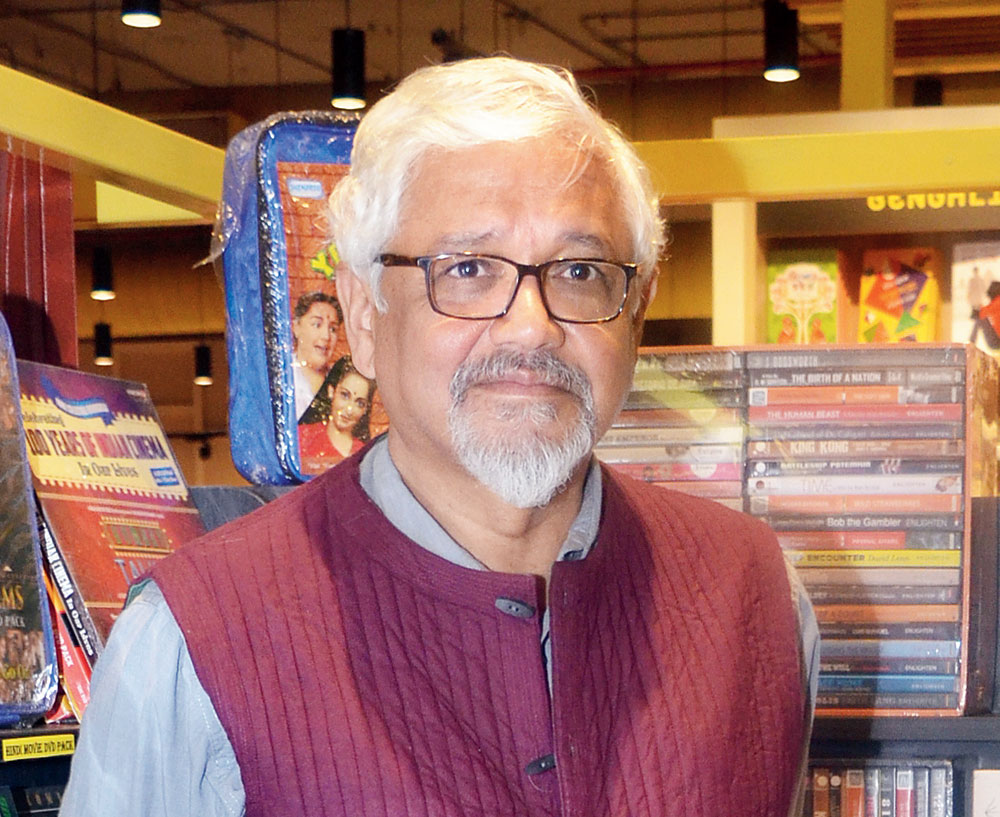 Amitav Ghosh: Country's political system not prepared to accept reality of climate change