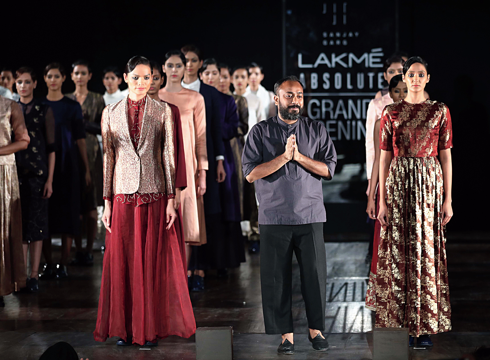 I Don T Belong In The World Of Fashion Designer Sanjay Garg Telegraph India