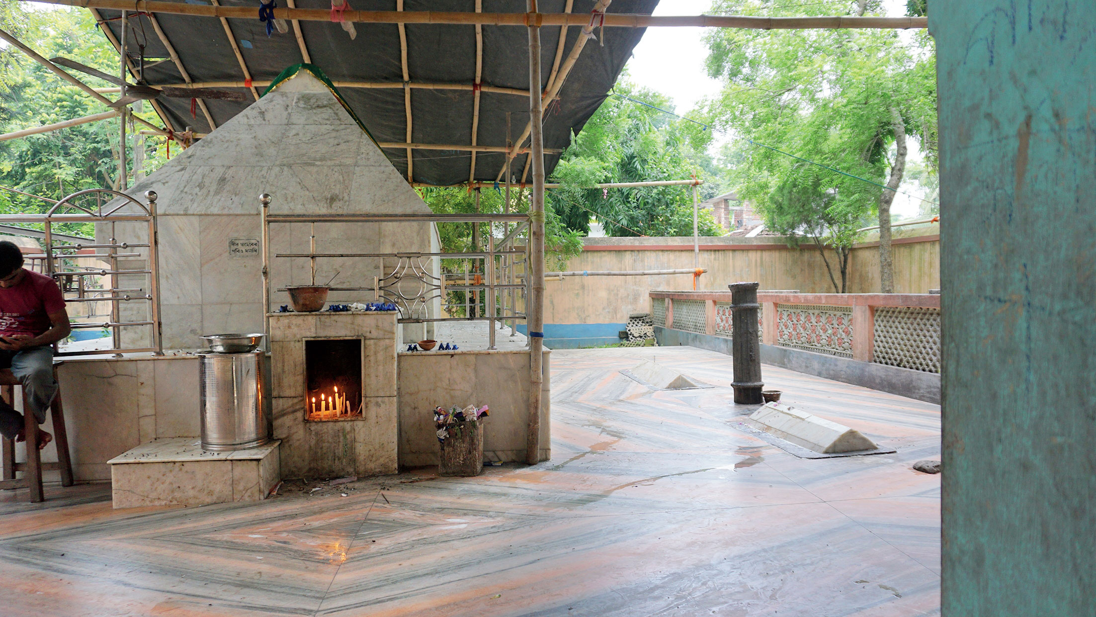 The mazaar of Pir Hazrat Shah Malek Gaus in Matiari