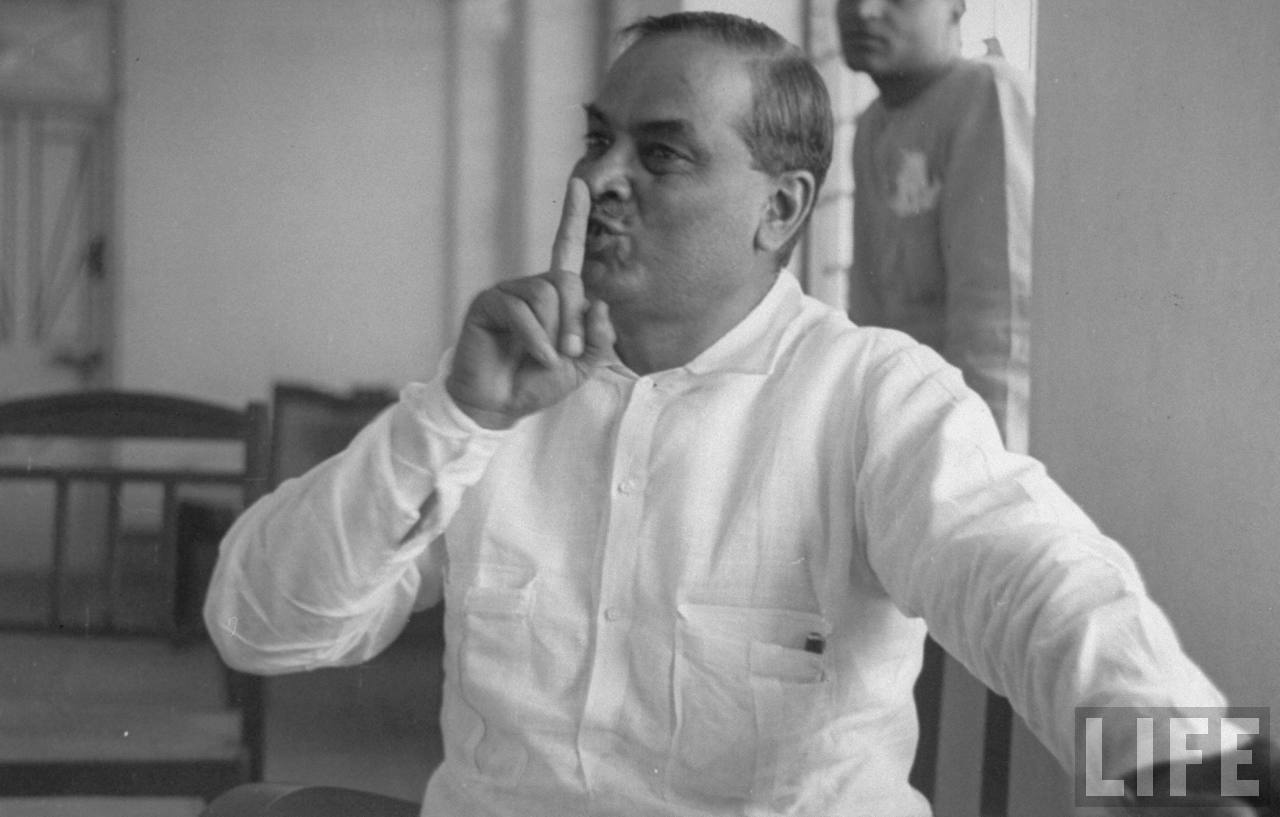Bidhan Chandra Roy.Accusing the BJP of vandalising the bust, Congress workers blocked the Mankar-Galsi Road for nearly two hours on Sunday