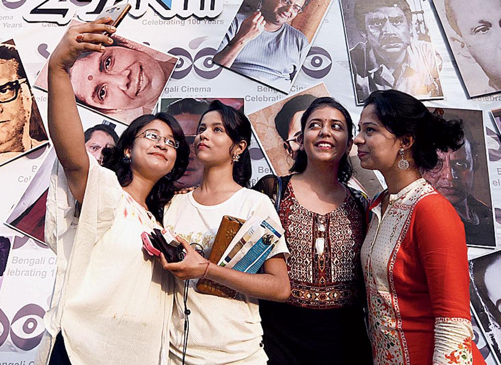 Time for a groupfie at the Kolkata International Film Festival in Nandan.