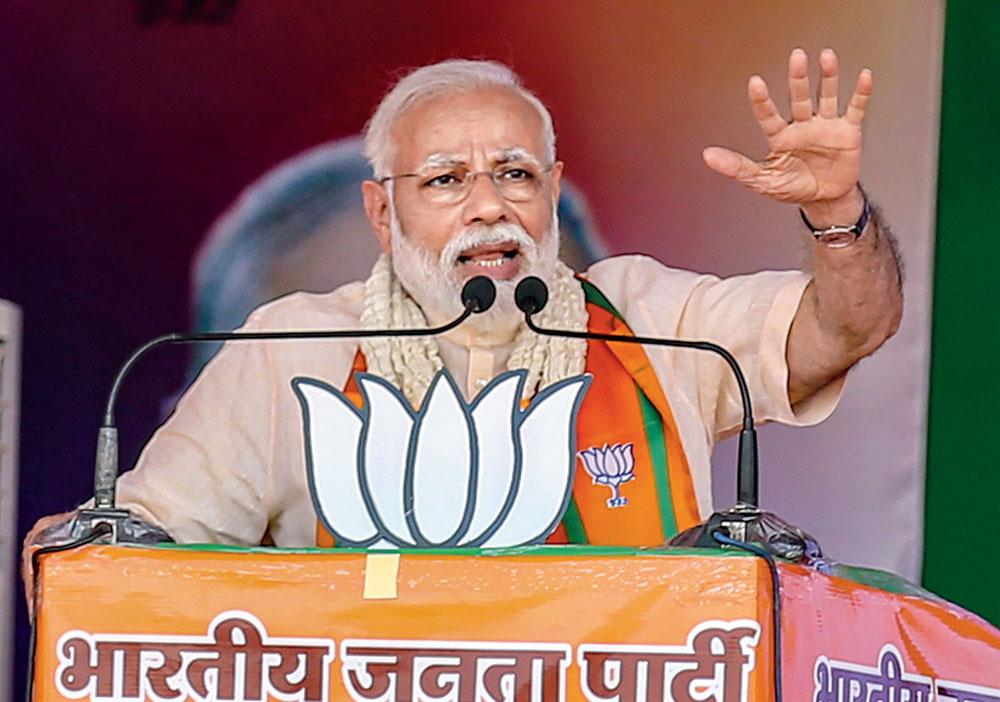 Modi addresses the election rally in Wardha, Maharashtra, on Monday.