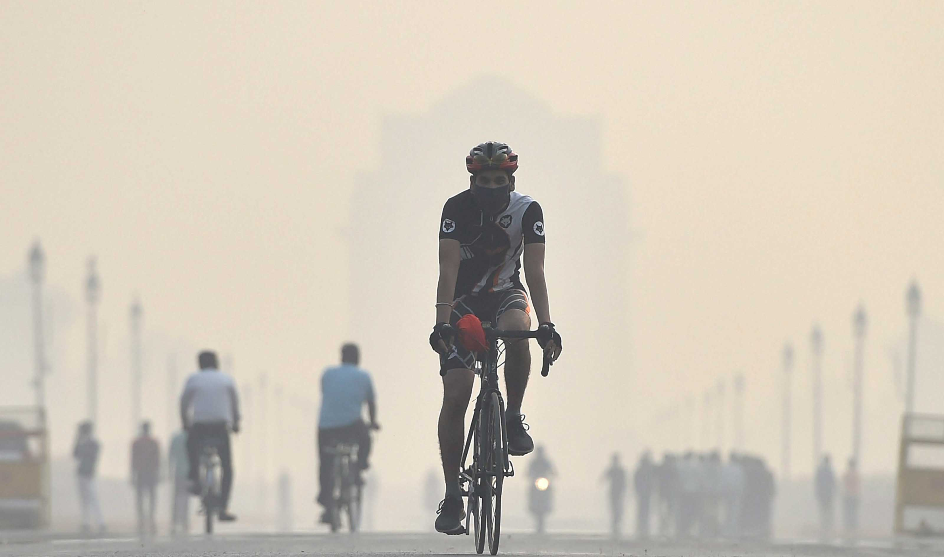 The Greenpeace report placed Lahore in  the 10th spot and New Delhi eleventh in a global list of 4,200 odd cities with toxic air