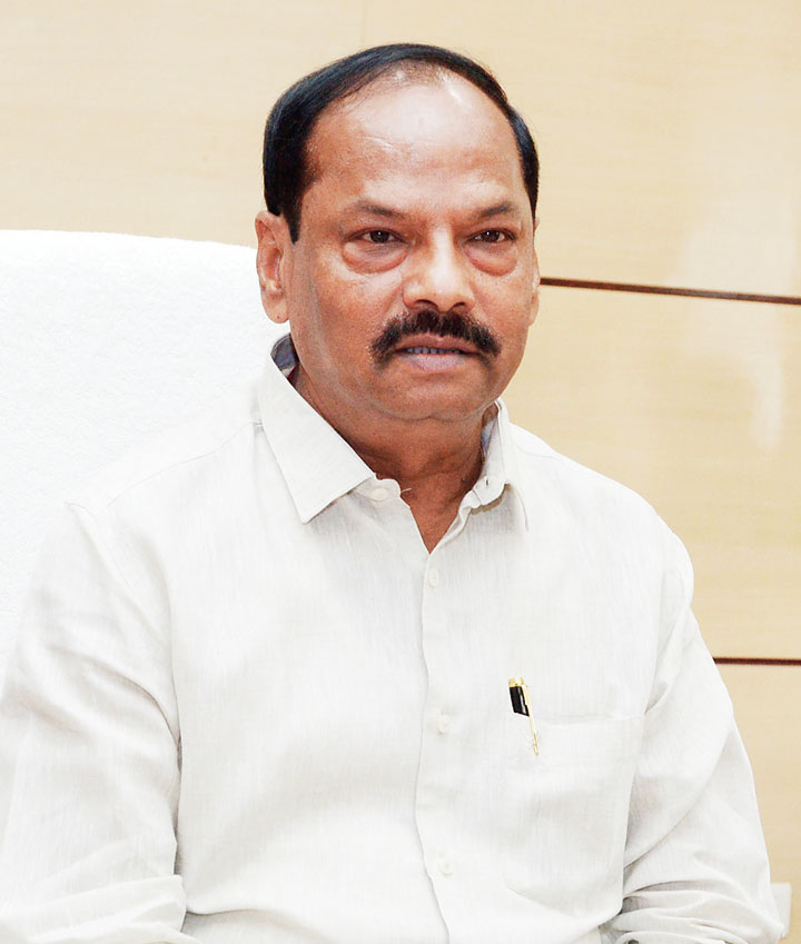 "Many had believed in CM Raghubar Das when he had promised to open a steel processing plant in Manoharpur after the Global Investors' Summit in Ranchi in 2017. ""But nothing happened"