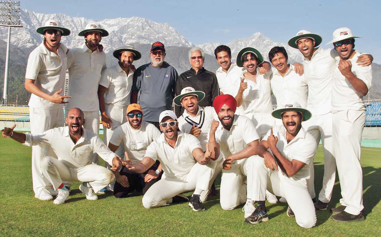 Mohinder Amarnath and Balwinder Singh Sandhu with Ranveer Singh (at the forefront) and the 13 other actors, who will be playing the roles of the members of India's 1983 World Cup-winning squad. Mohinder was the Man of the Match in India's semi-final and final wins.