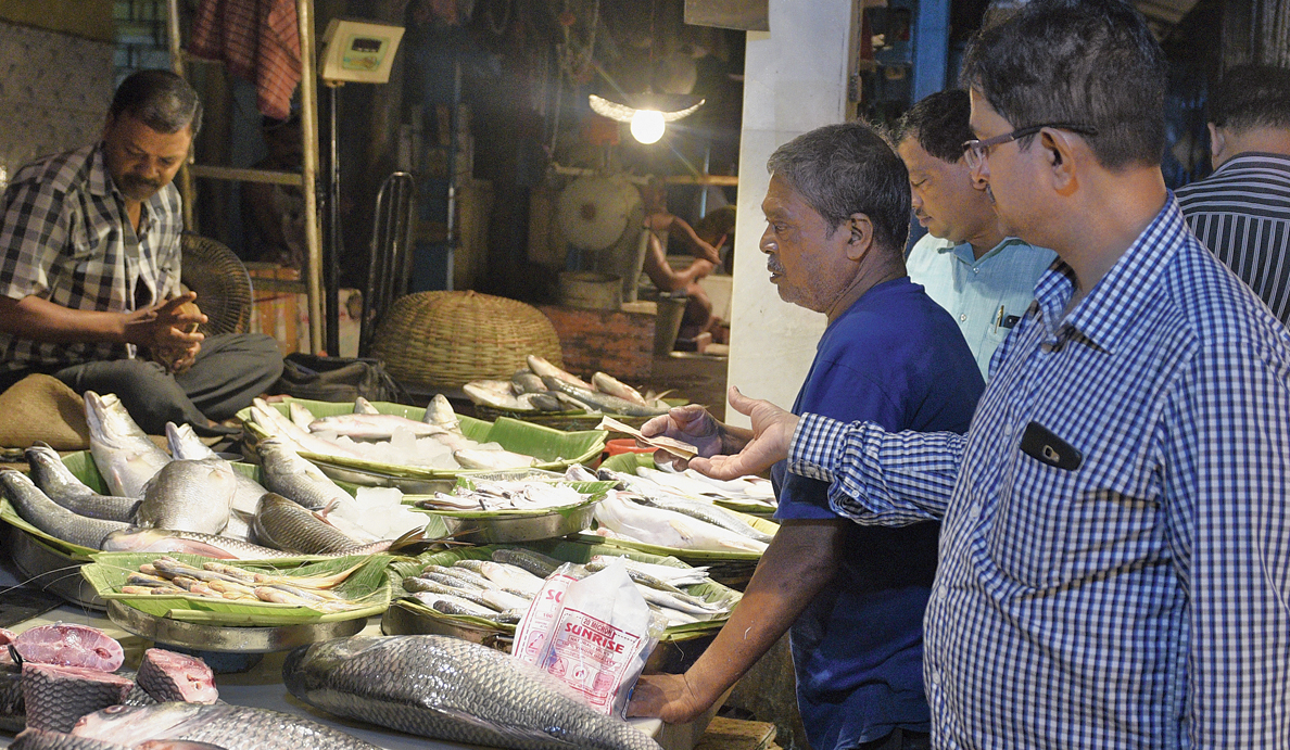The government has now asked district food safety officers to collect samples of fish from towns and cities across the state