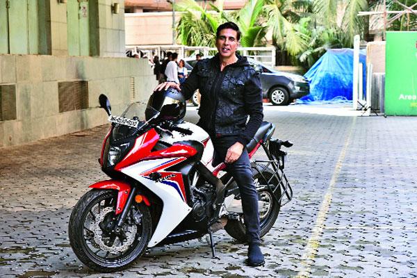 Akshay Kumar at the trailer launch and (below) the Sooryavanshi team