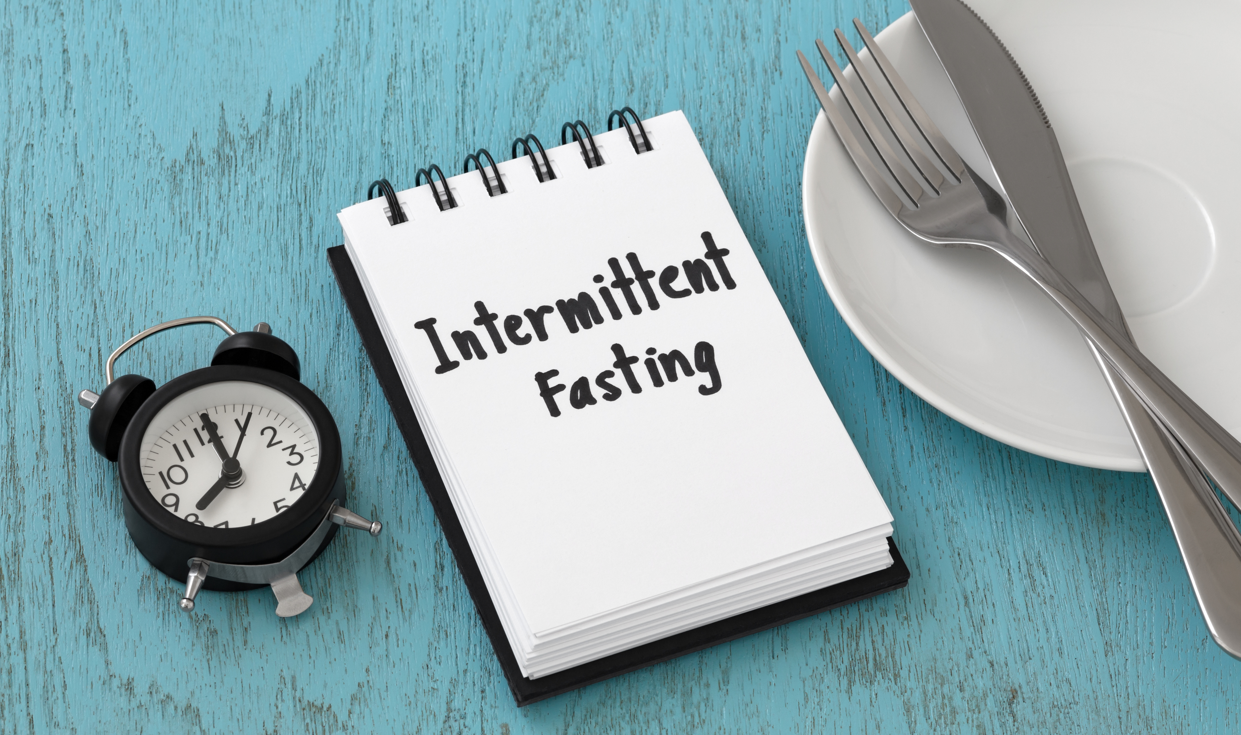 Intermittent fasting refers to an eating pattern that swings between periods of eating very little or nothing (fasting), and, eating regular meals