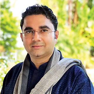 The developer: Sandeep Ranade is an Indian classical vocalist from Pune. As a software engineer, he has worked in the US at companies like Google, Microsoft, Citrix, Vmware and Cirtas (start-up). He holds a masters degree in computer science from Johns Hopkins University. He's a disciple of Pandit Jasraj.