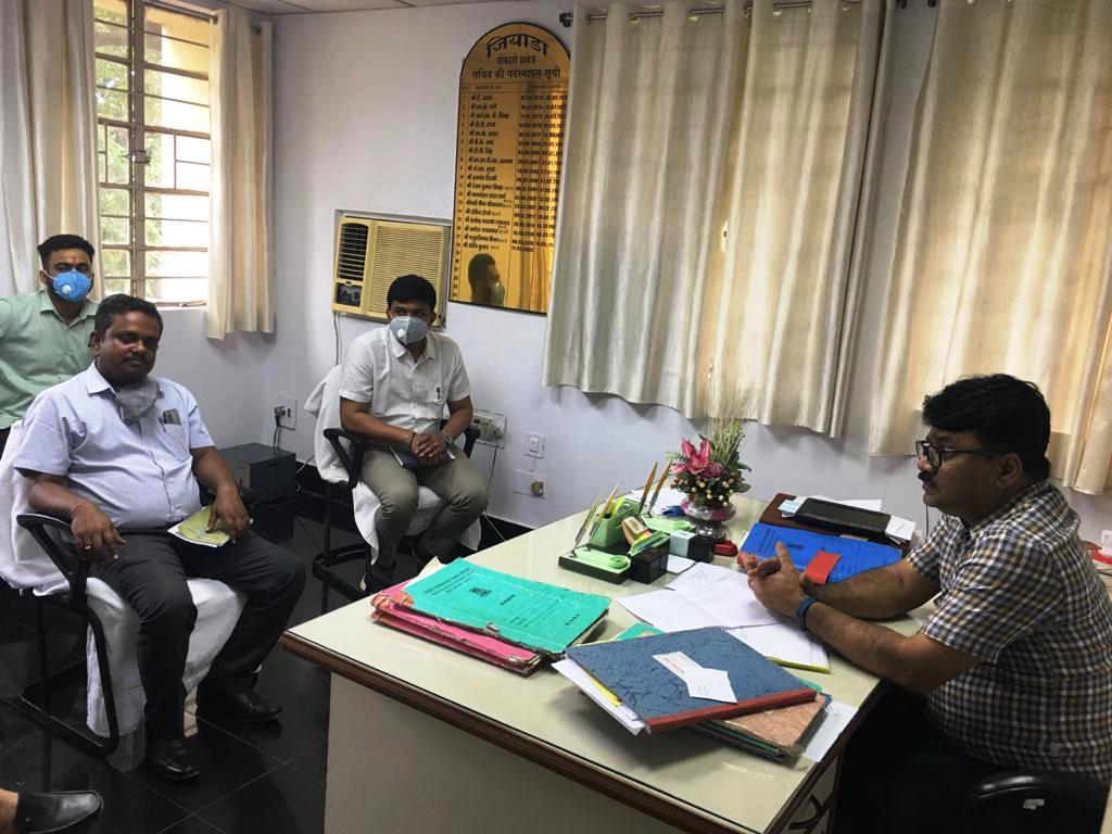 The secretary, JIADA, Bokaro region, Sundeep Kumar in the meeting with industrialists