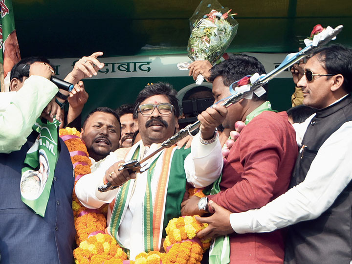 Hemant Soren during the election rally at KFS Ground, Kalimanda in Nirsa, Dhanbad, on Tuesday.