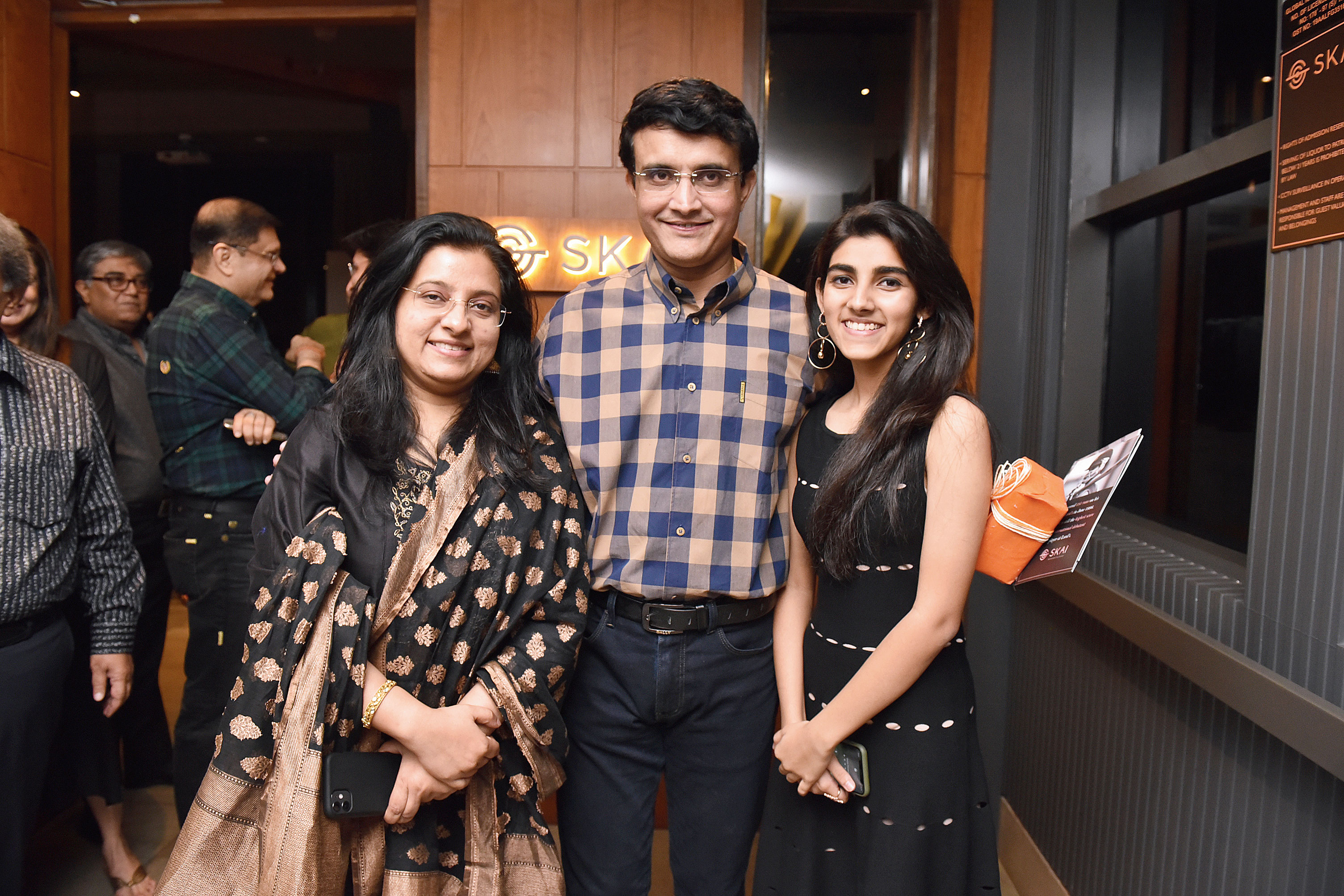 Sourav with wife Dona Ganguly and daughter Sana