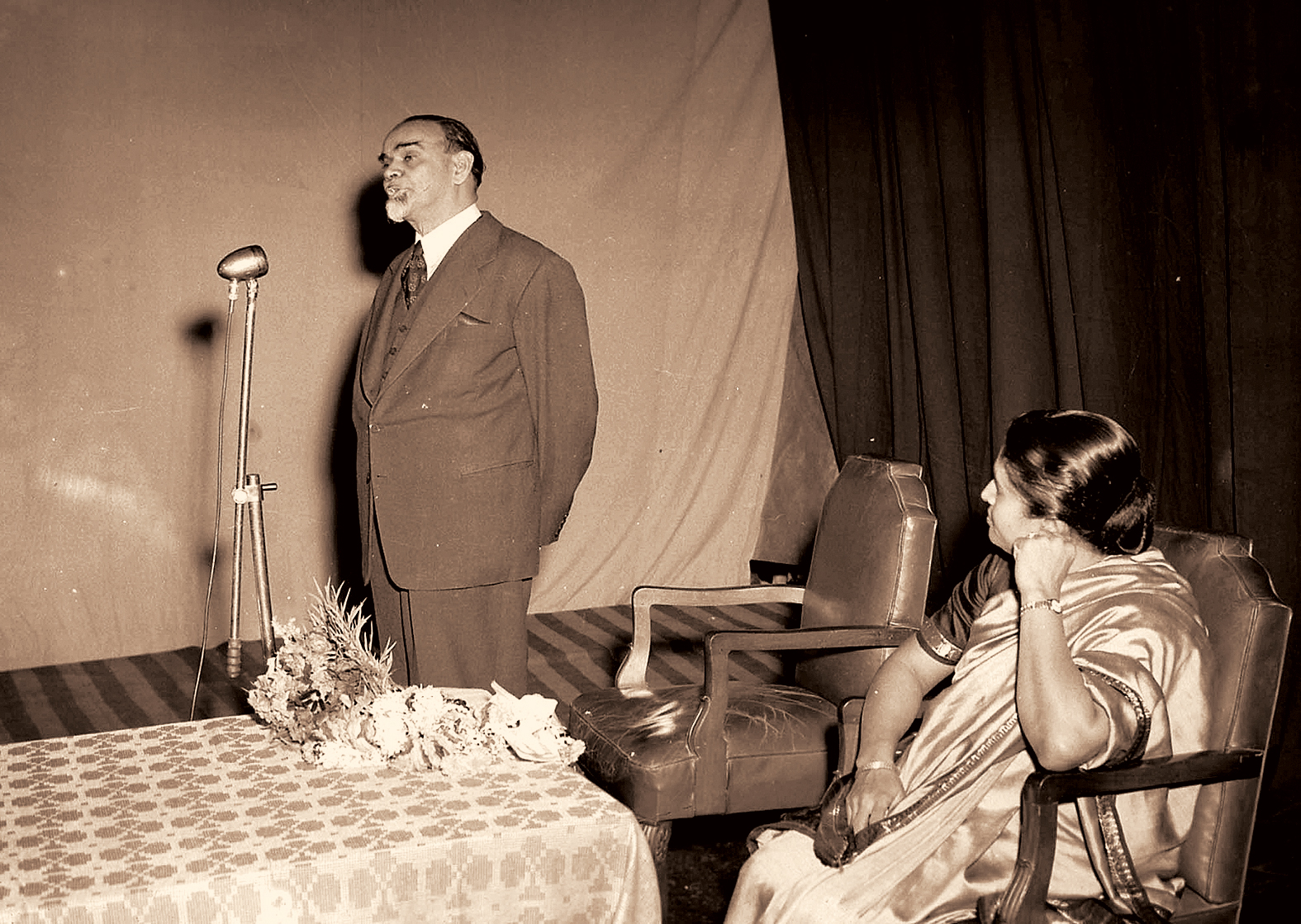 Sardar K. M. Panikkar opening celebrations in the capital to mark the inauguration of Kerala on November 1, 1956.