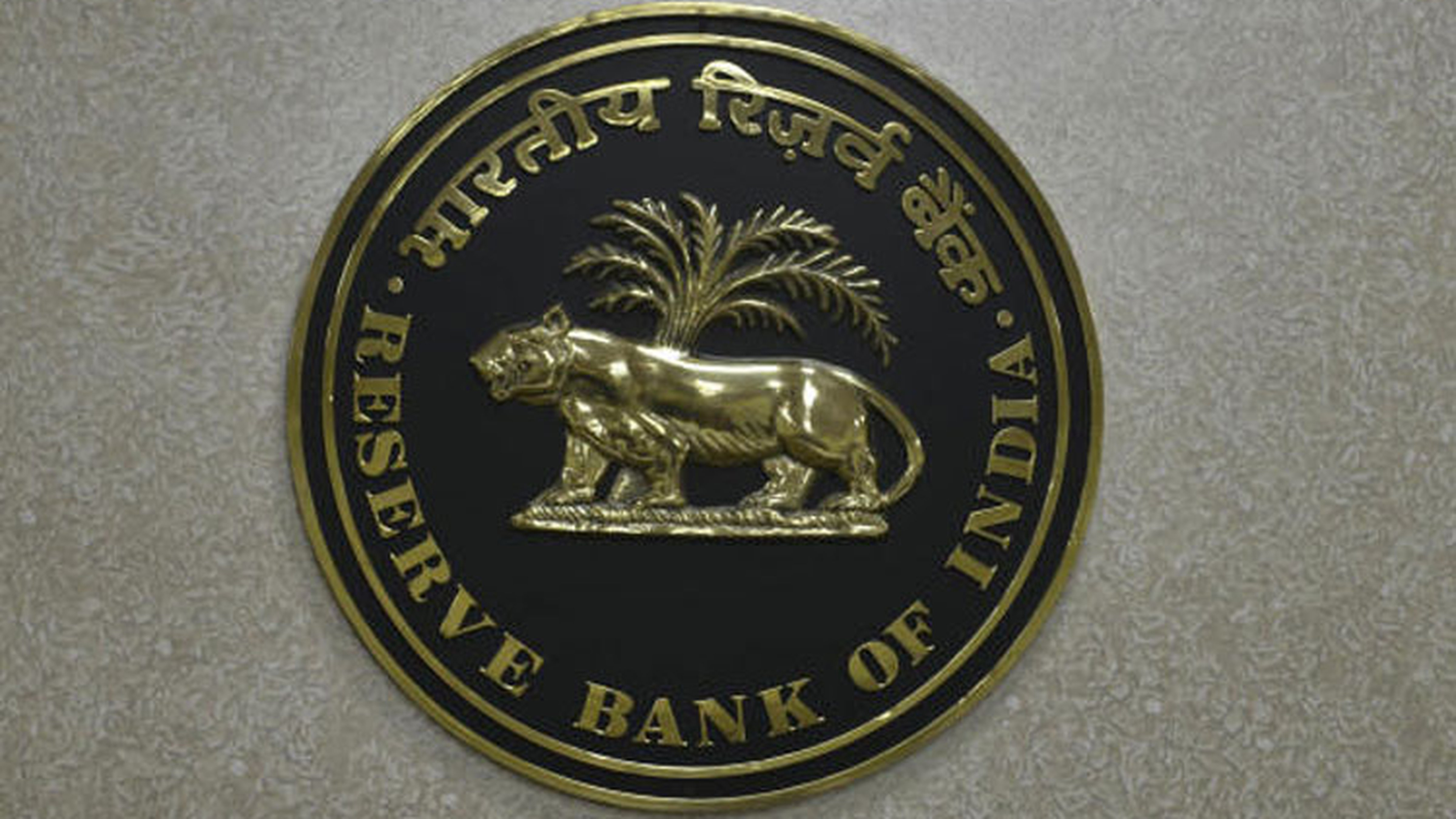 The RBI said that consumer confidence collapsed in May with the current situation index (CSI) touching a historic low and the one-year ahead future expectations index (FEI) also recording a sharp fall, entering the zone of pessimism.