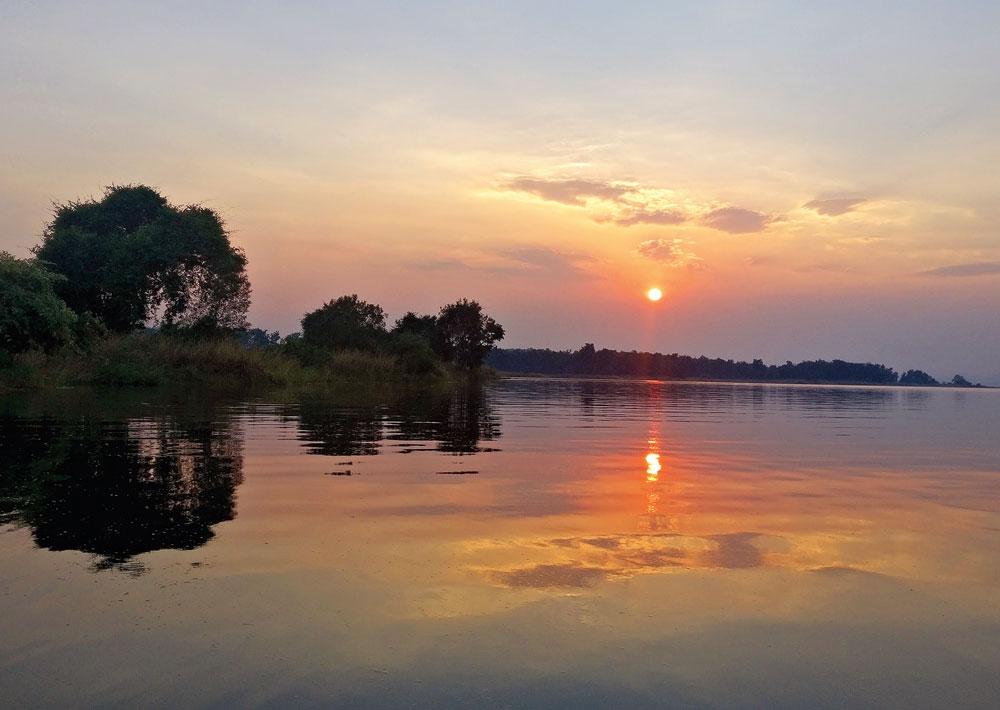 A spectacular sunset at the Satpura Tiger Reserve