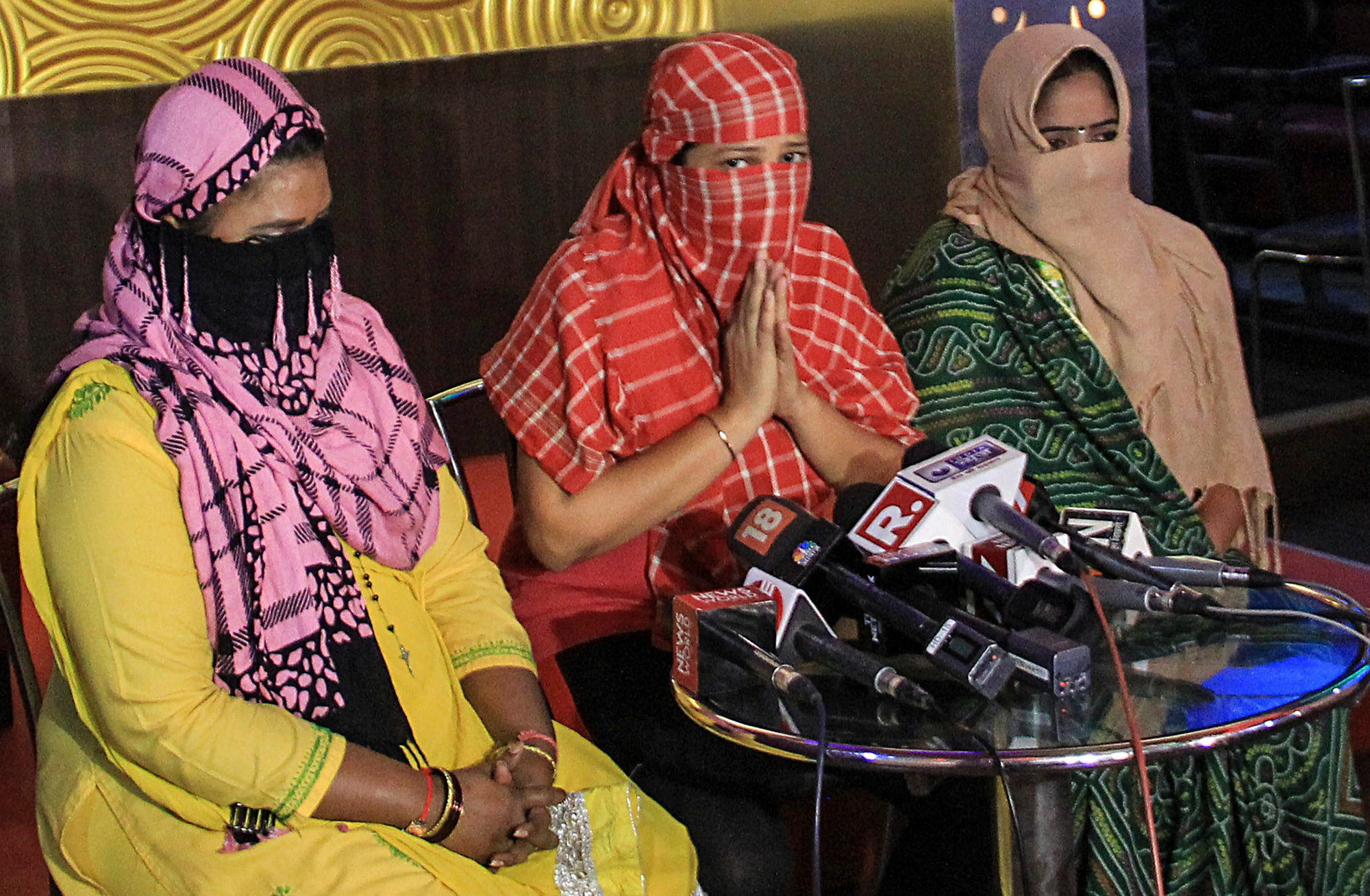 Bar dancers address the media in Mumbai on Thursday, January 17, after the Supreme Court's verdict which paved the way for the reopening of dance bars in Maharashtra. The 2005 ban had robbed many workers in these bars of their livelihood