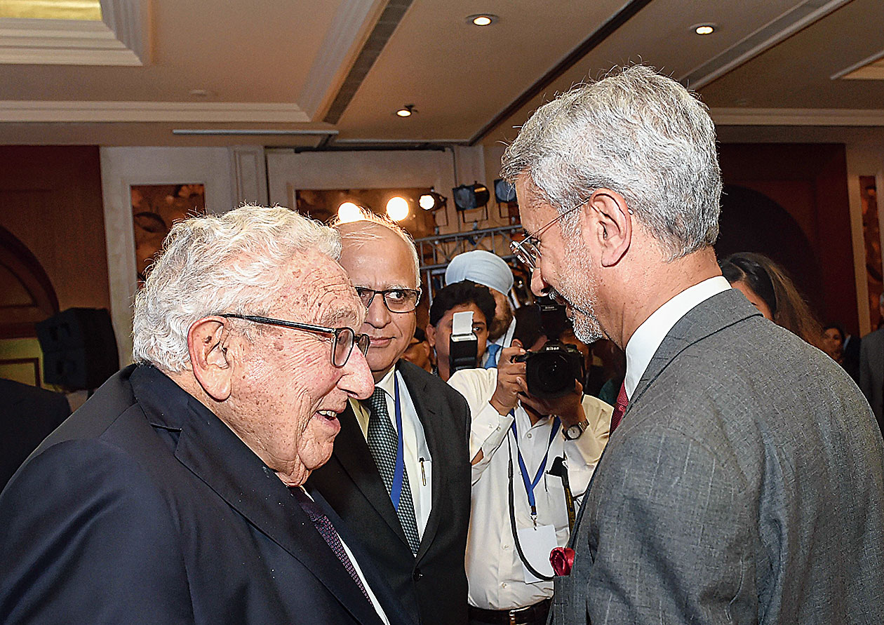 External affairs minister S Jaishankar greets former US secretary of state Henry Kissinger at the India Leadership Summit hosted by US India Strategic and Partnership Forum in New Delhi on Monday.