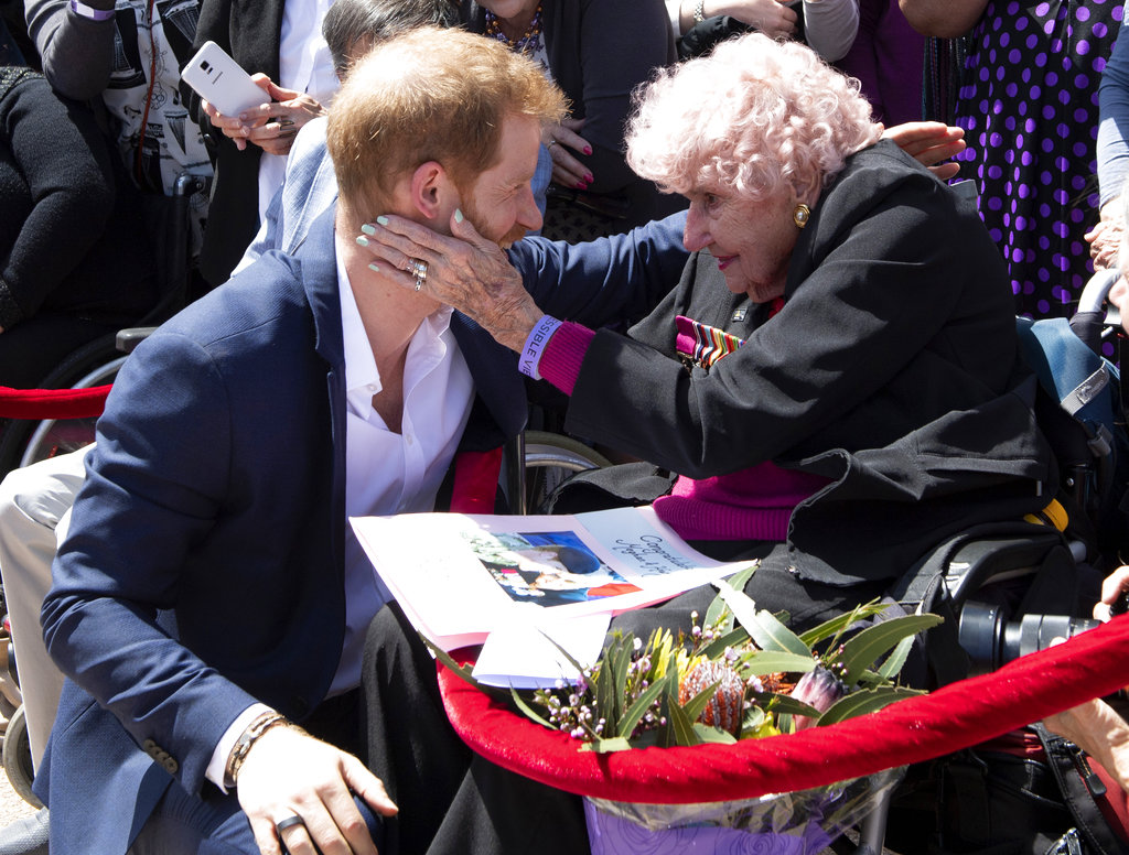 Harry meets 97-year-old Dafney Dunne during a walk about outside the Opera House in Sydney.