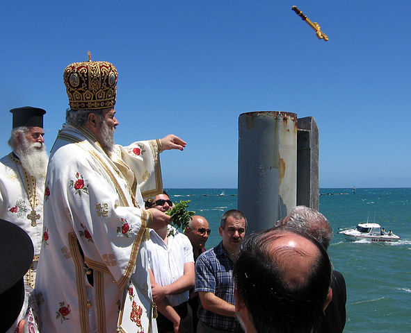 On Epiphany Day processions set off from local churches to the ocean where the priest blesses a golden cross before hurling it into the sea