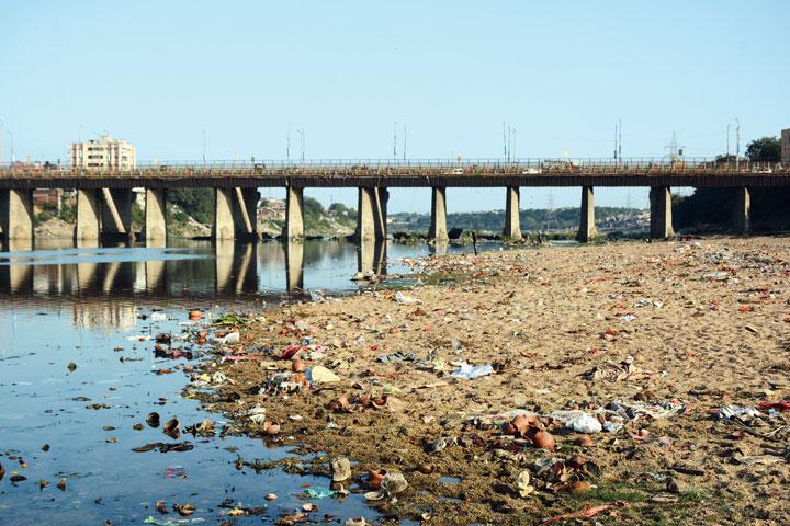 Trash strewn along the banks of the Subernarekha in Mango, Jamshedpur, on Wednesday.