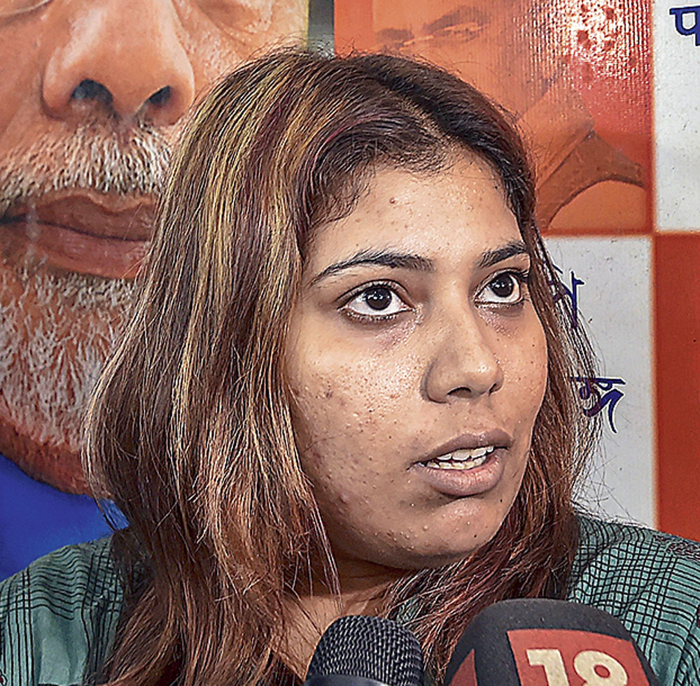 SC pulls up Bengal govt for delay in BJP youth activist release