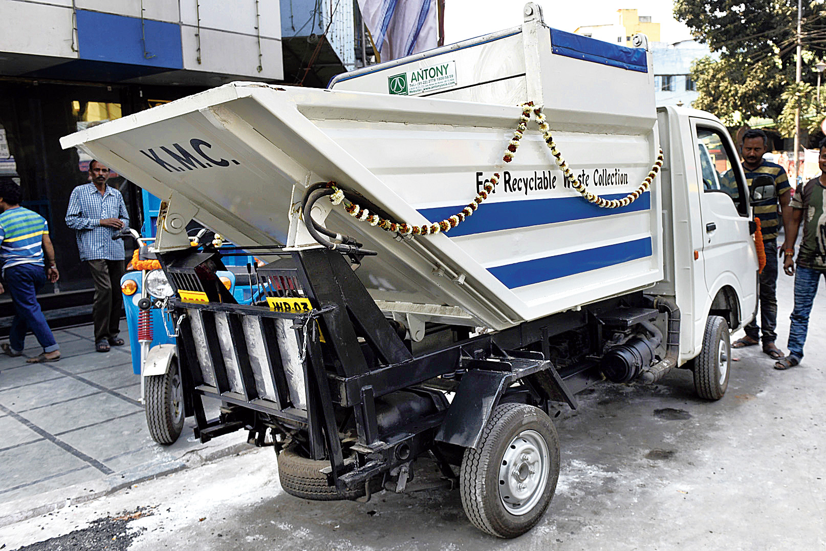 Trucks that will carry waste from a ward or a block to sorting units.