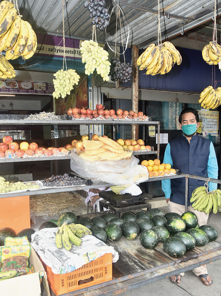 Sewai nestles amid fruits at a kiosk in Dhanbad on Tuesday.