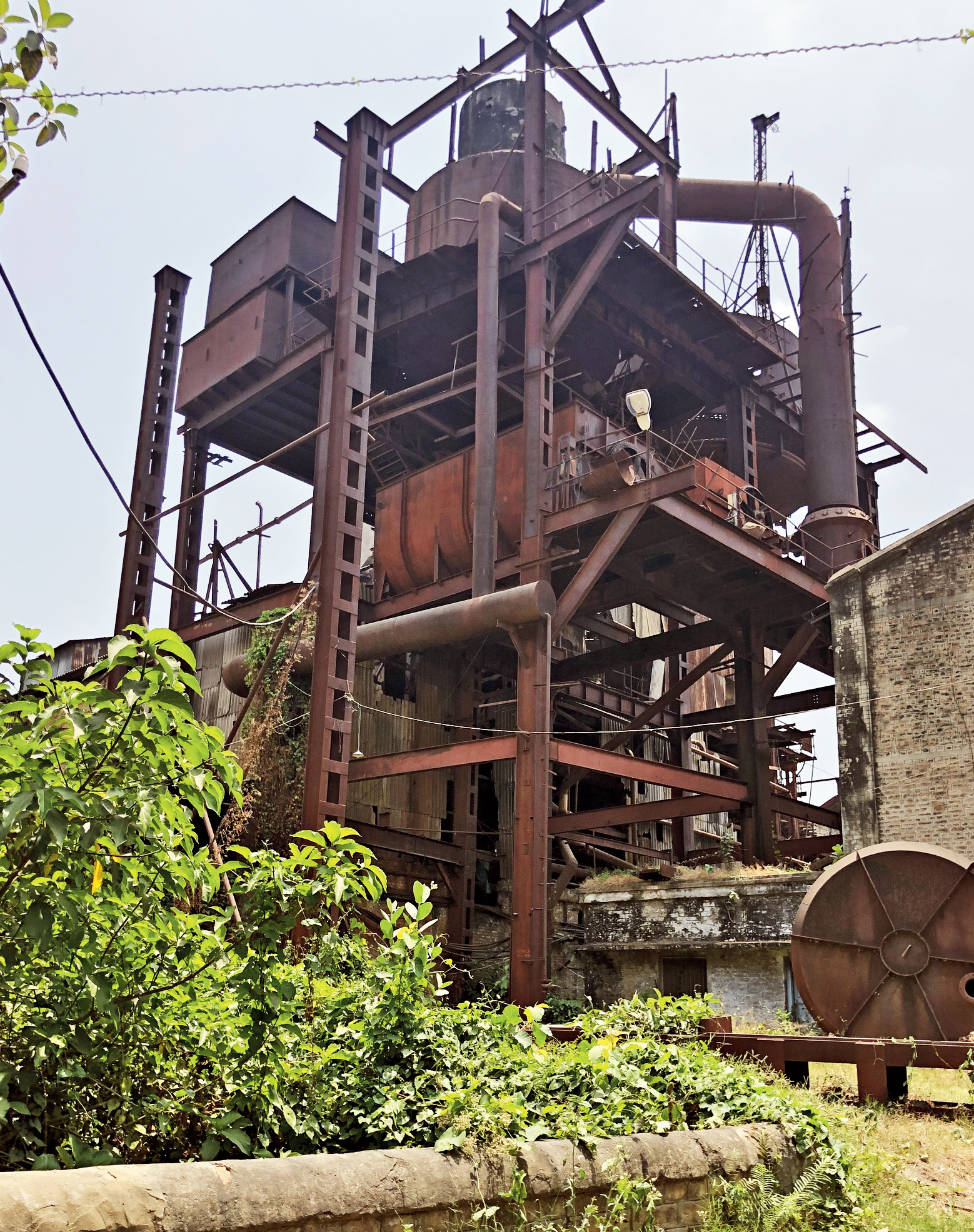 The rusted carcass of the Motihari sugar mill.