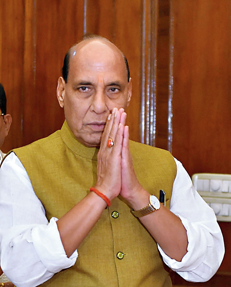 People close to Rajnath Singh claim that on some occasions, he takes a firm position and does not budge from it
