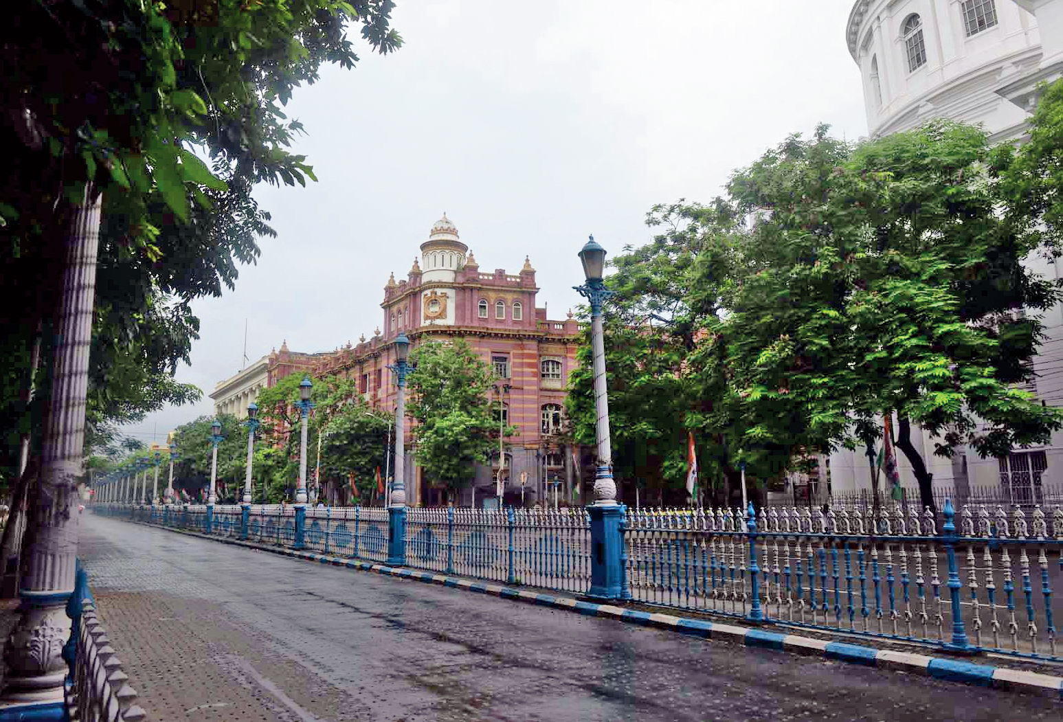 The road taken by the carts — past GPO and Royal Insurance Building before turning left towards the Rodda godown. The seventh cart had Haridas Datta, one of the rebels, as its coachman.