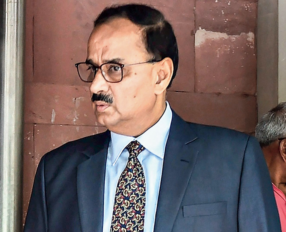 SC allows Alok Verma's return with a rider