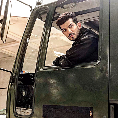 Arjun Bijlani as  Major Sandeep Unnikrishnan in State of Siege: 26/11, now streaming on Zee5