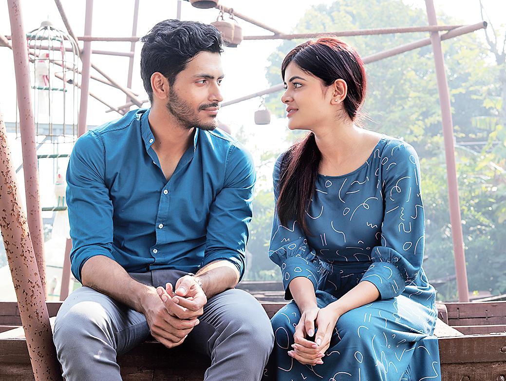 Arjun and Madhumita in Love Aaj Kal Porshu