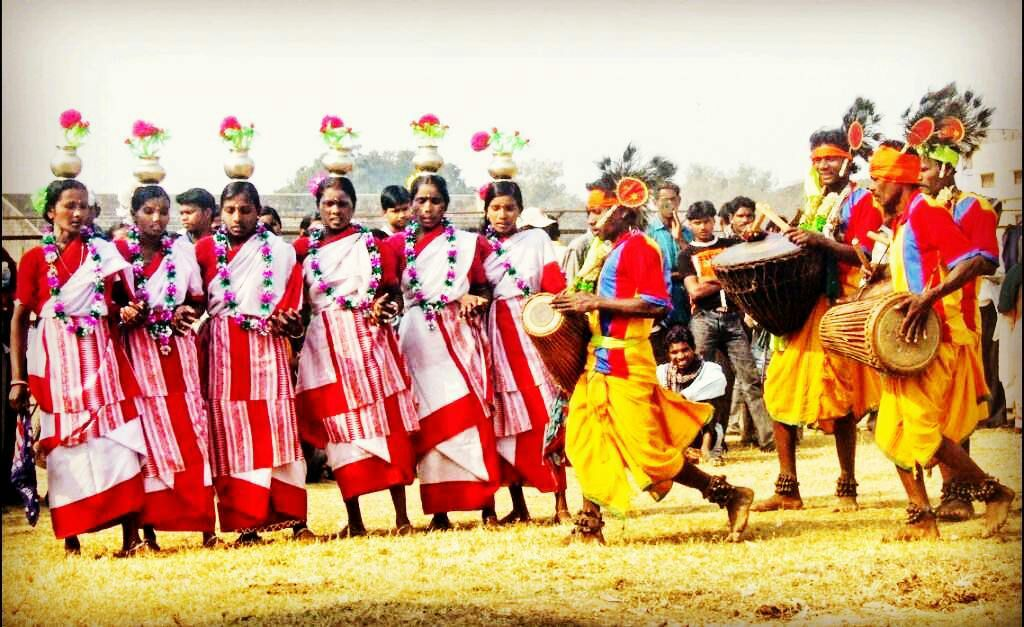 Jhumur dance performances during Tusu Puja. Tusu is a harvest festival of the Kurmi community of West Bengal, Jharkhand and Odisha