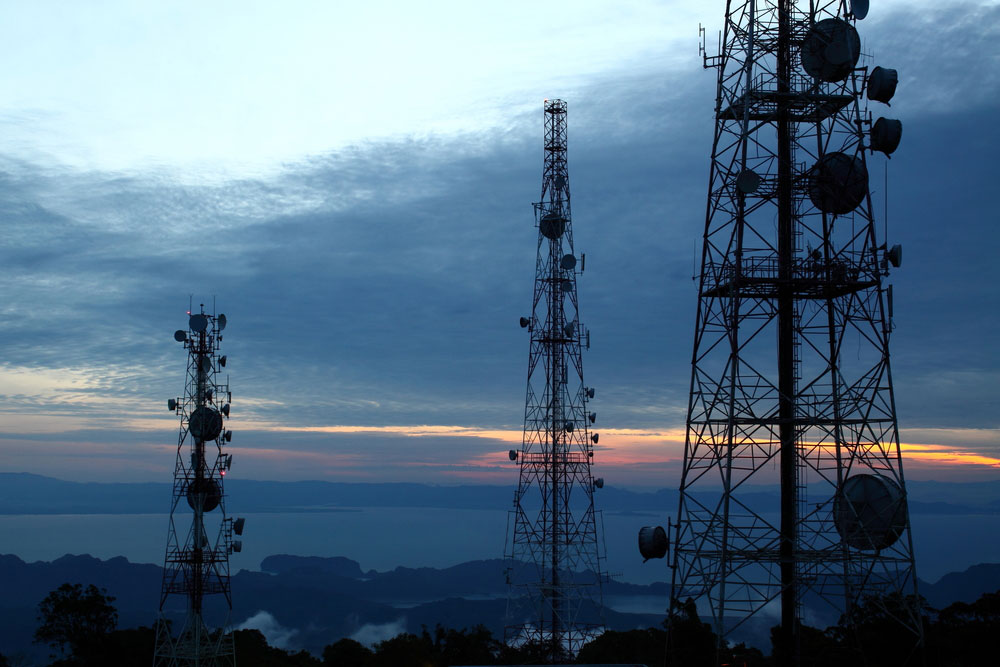 Analysts say 4G spectrum made mobile internet speeds up to 500 times faster than 3G and allowed high definition TV on mobile, high–quality video calls and faster browsing