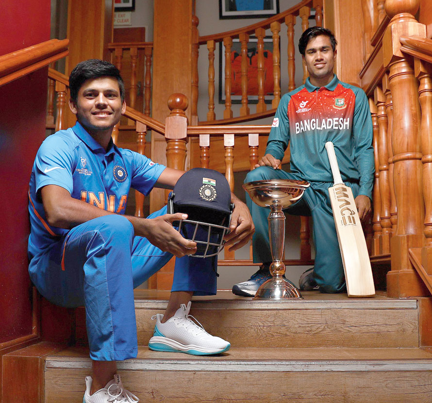 Bangladesh skipper Mohammad Akbar Ali and his India counterpart Priyam Garg at a photocall session on Saturday, the eve of the ICC U-19 World Cup final in Potchefstroom, South Africa.