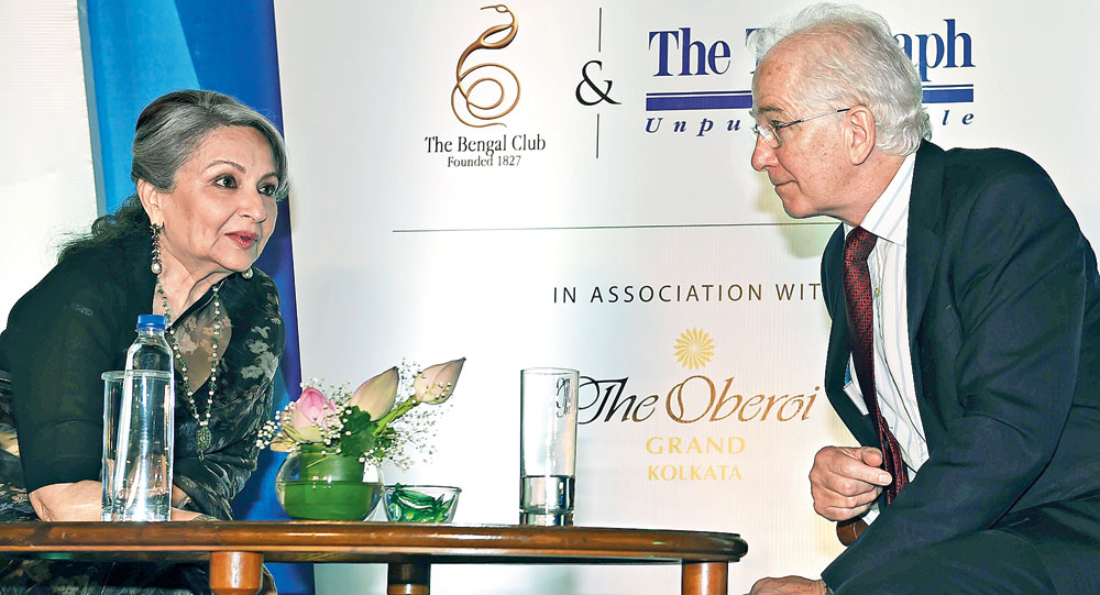 Sharmila Tagore and David Gower after the Tiger Pataudi Memorial Lecture in Calcutta on Wednesday