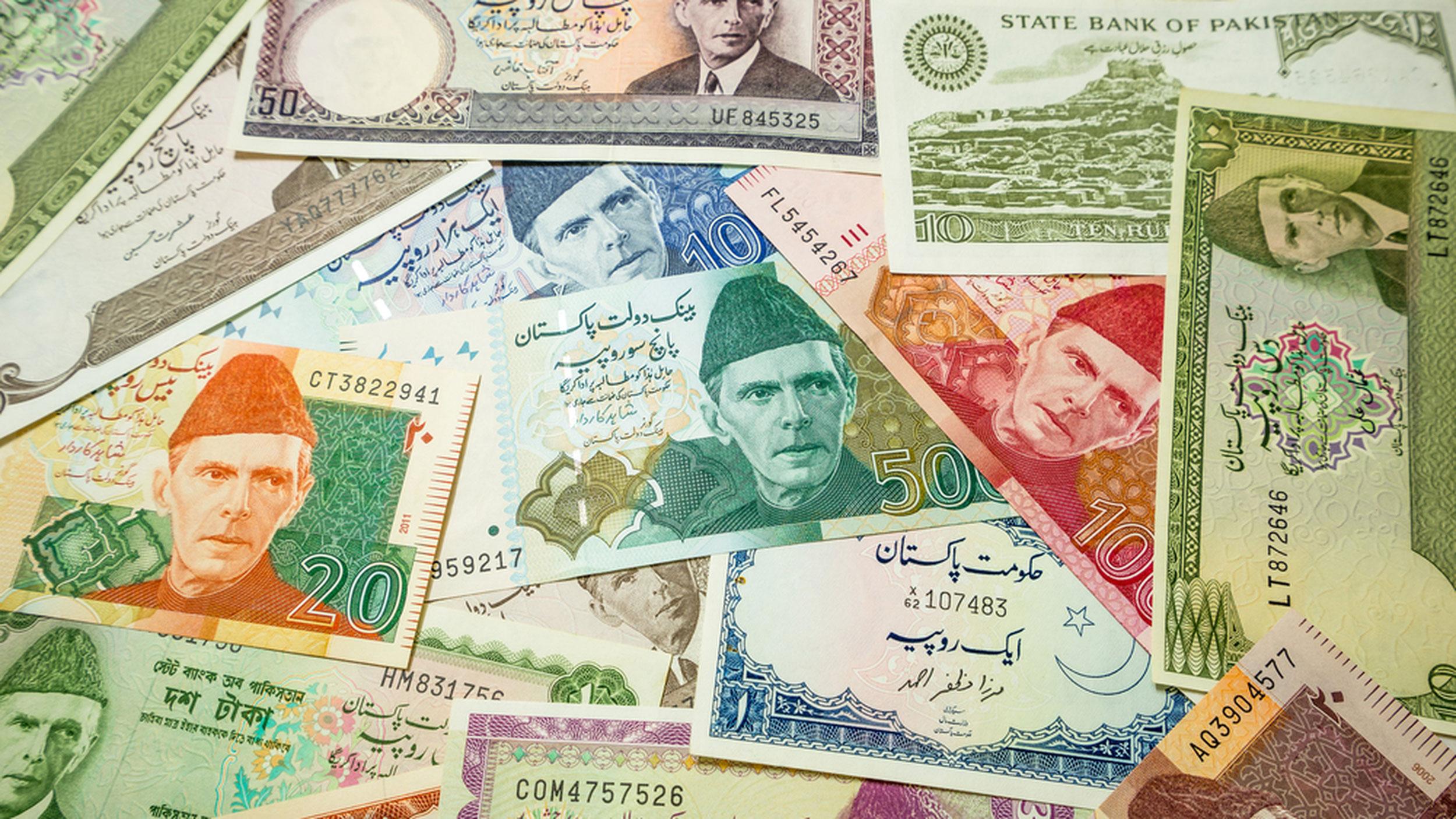 Terror funds heat on Pakistan