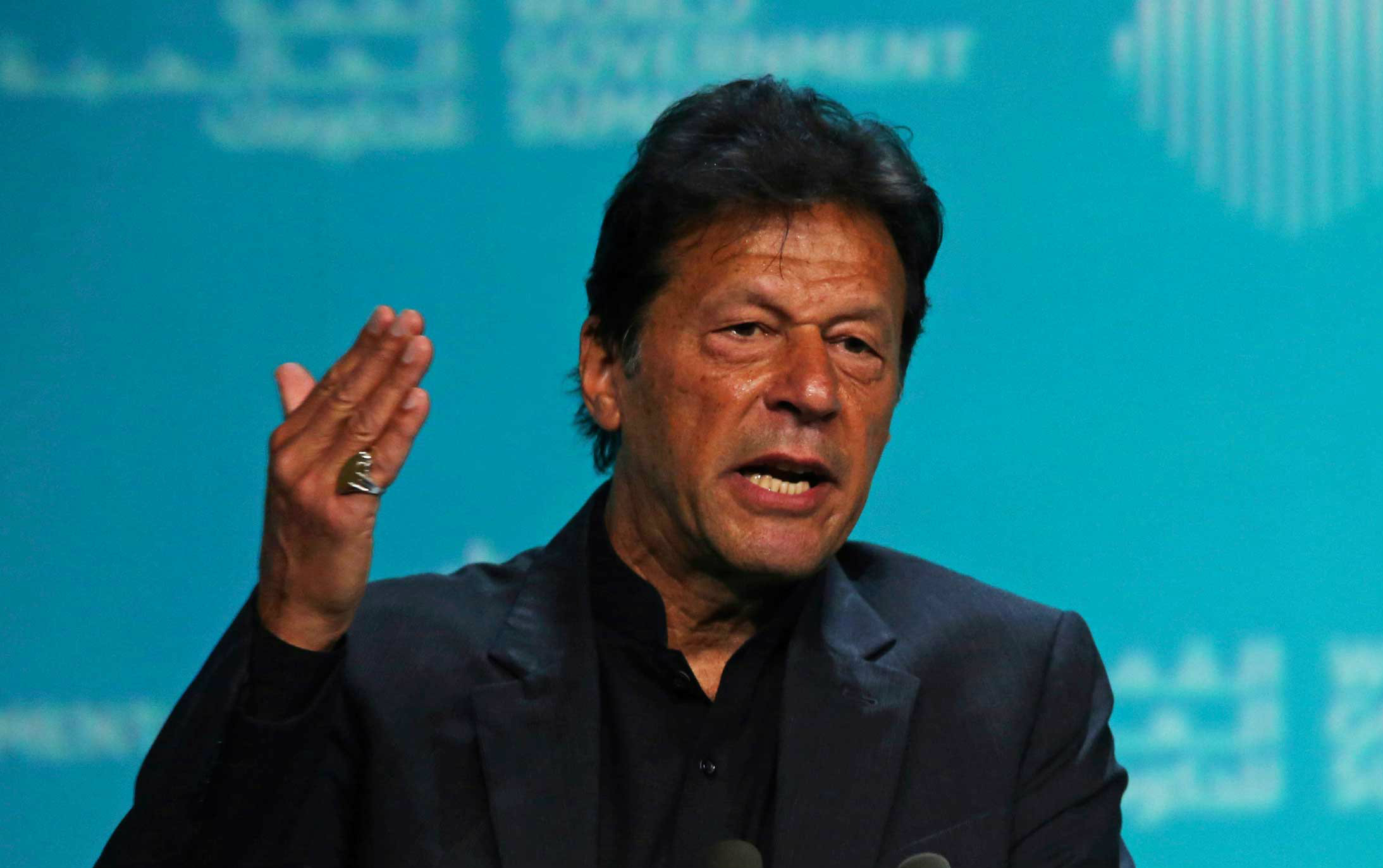 In an unusual move, Imran Khan's Pakistan Tehreek-e-Insaf party tweeted his statement in Hindi, obviously to catch the attention of the Indian Twitterarti.