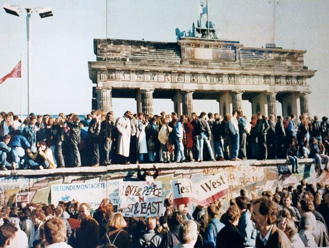 West and East Germans at the Brandenburg Gate in 1989.