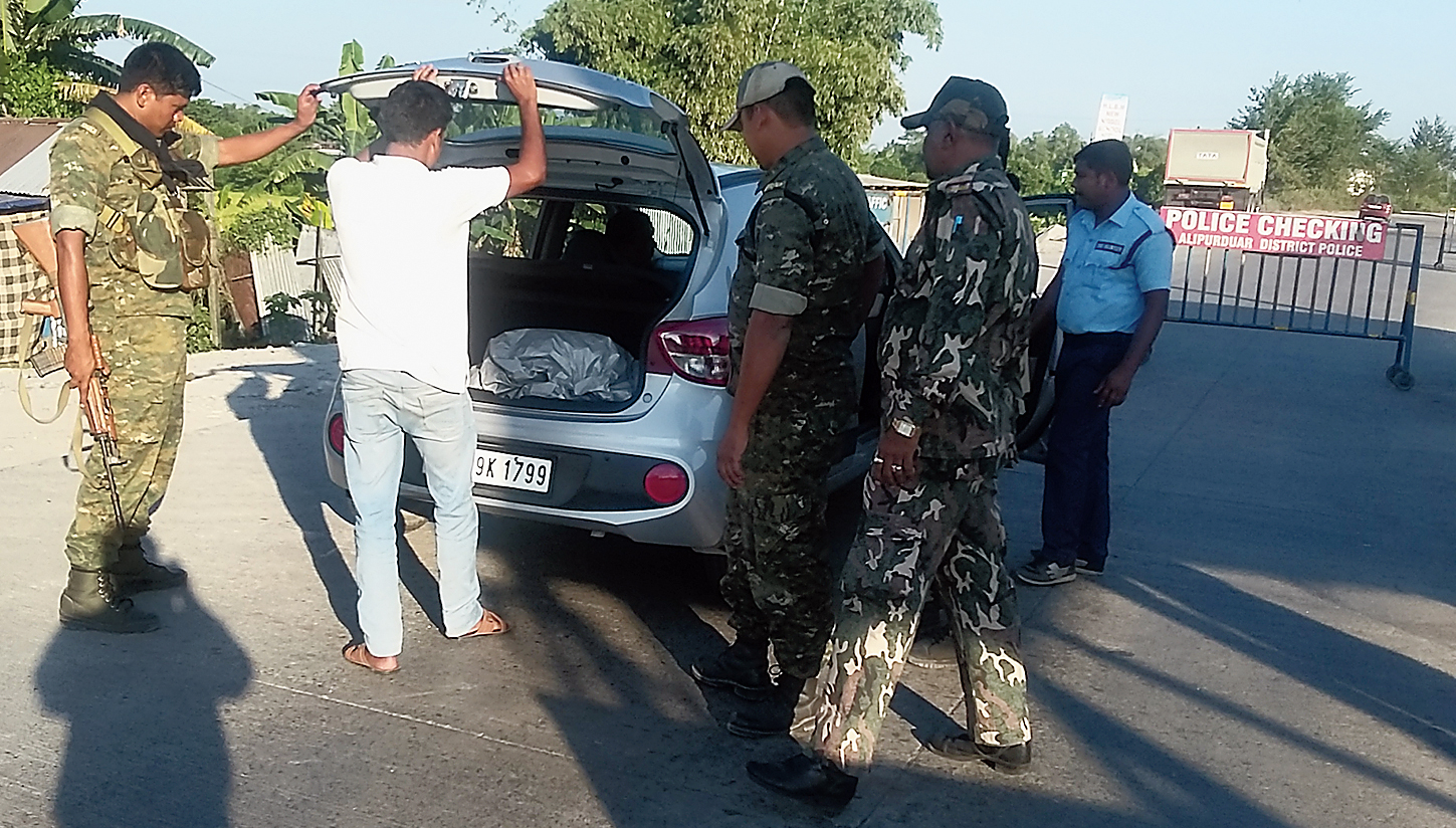 Police checkpoints at the NH31C that connects Bengal with Assam.
