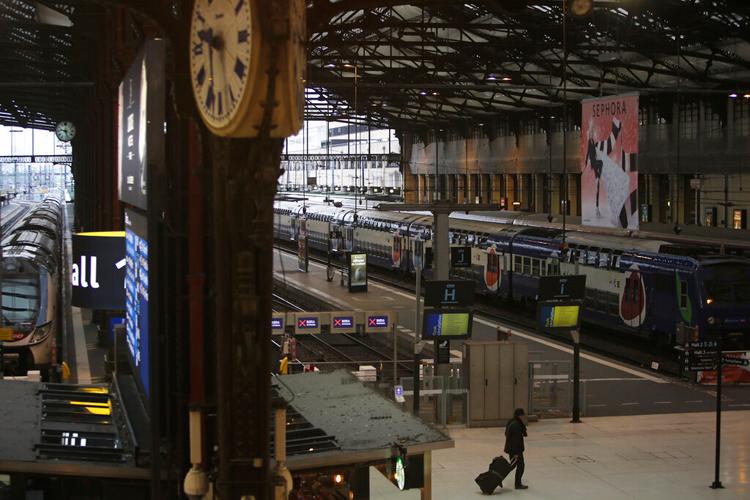 A deserted Gare de Lyon station on December 6 in Paris