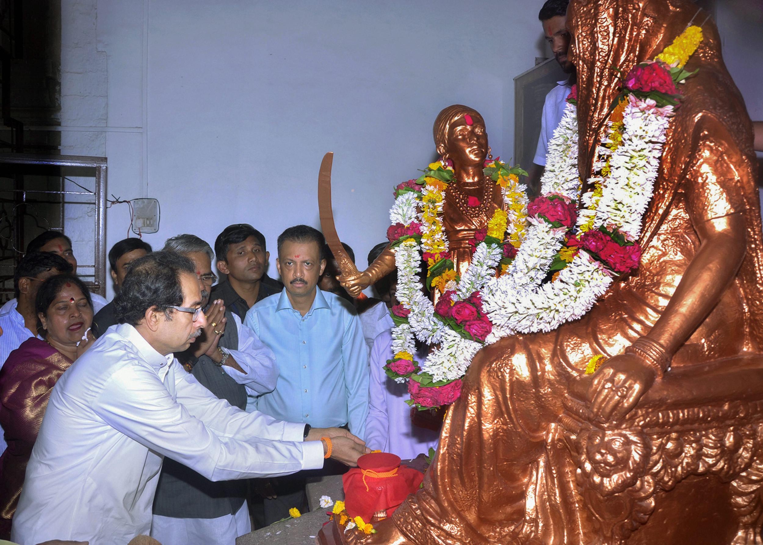 VHP snubs Uddhav Thackeray's Shiv Sena Ayodhya event