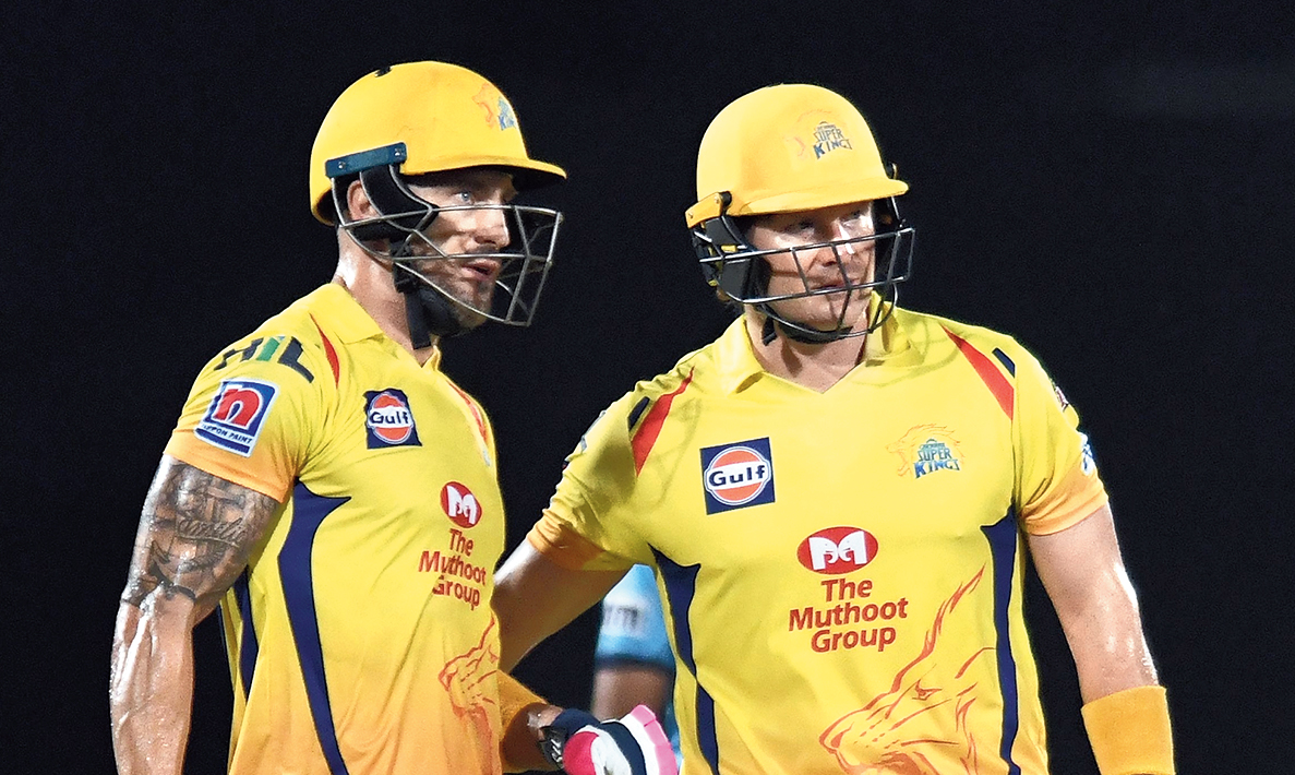 Faf du Plessis and Shane Watson during their 81-run opening stand in Visakhapatnam on Friday