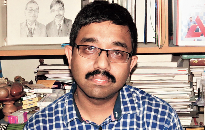 Kaushik Mitra, a resident of Purbachal and an assistant professor of community medicine at Burdwan Medical College