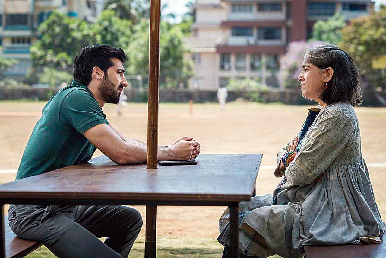 Ratna Pathak Shah with Akshay Oberoi in Selection Day.
