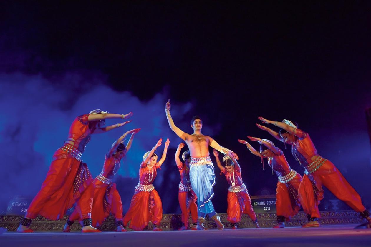 Dancers perfom at Konark festival.